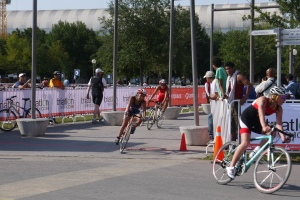 Erica on the bike (blue - white red trisuit) Monterrey 3rd May 2014