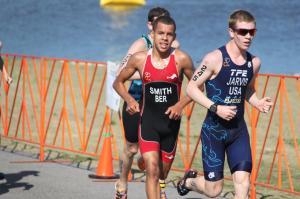 Tyler Smith on run at CAMTRI Sarasota Triathlon 2015. CLICK TO ENLARGE